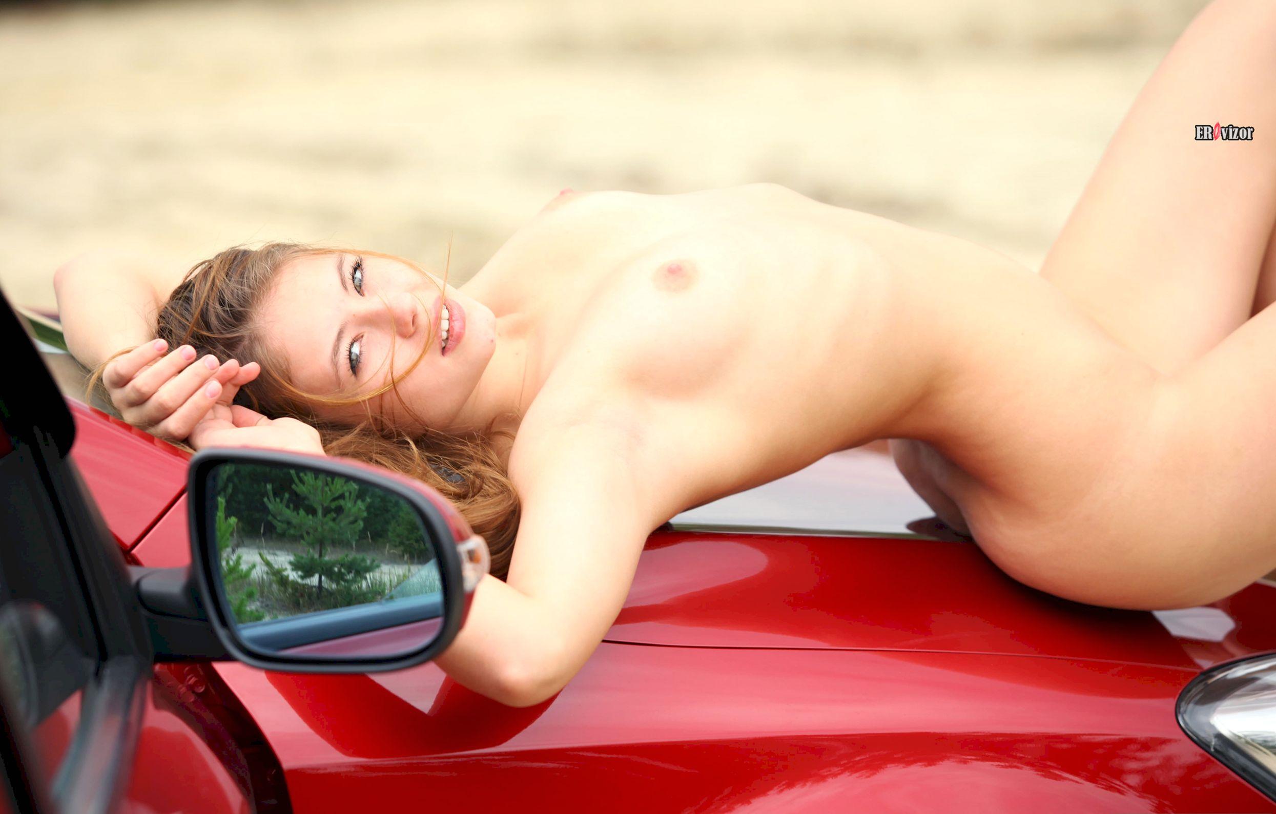 Viktoria-Aliko-with-Open-Pussy-in-Car-erovizor1 (11)