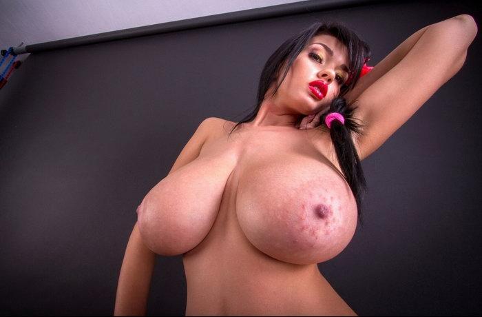 Bigtits Chantele Zales Big Tits Boobs Goddess Random Wank File Uflash 1