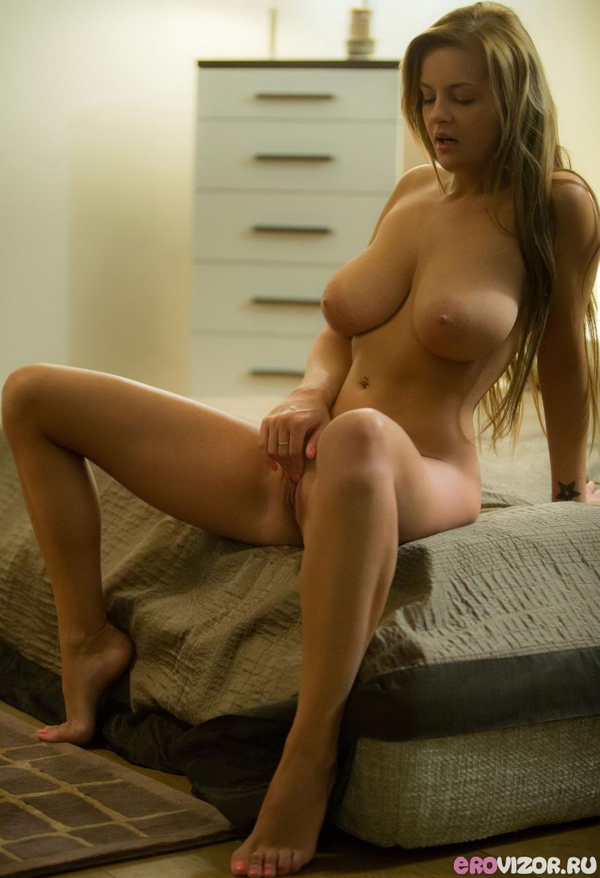 голые молодые девушки