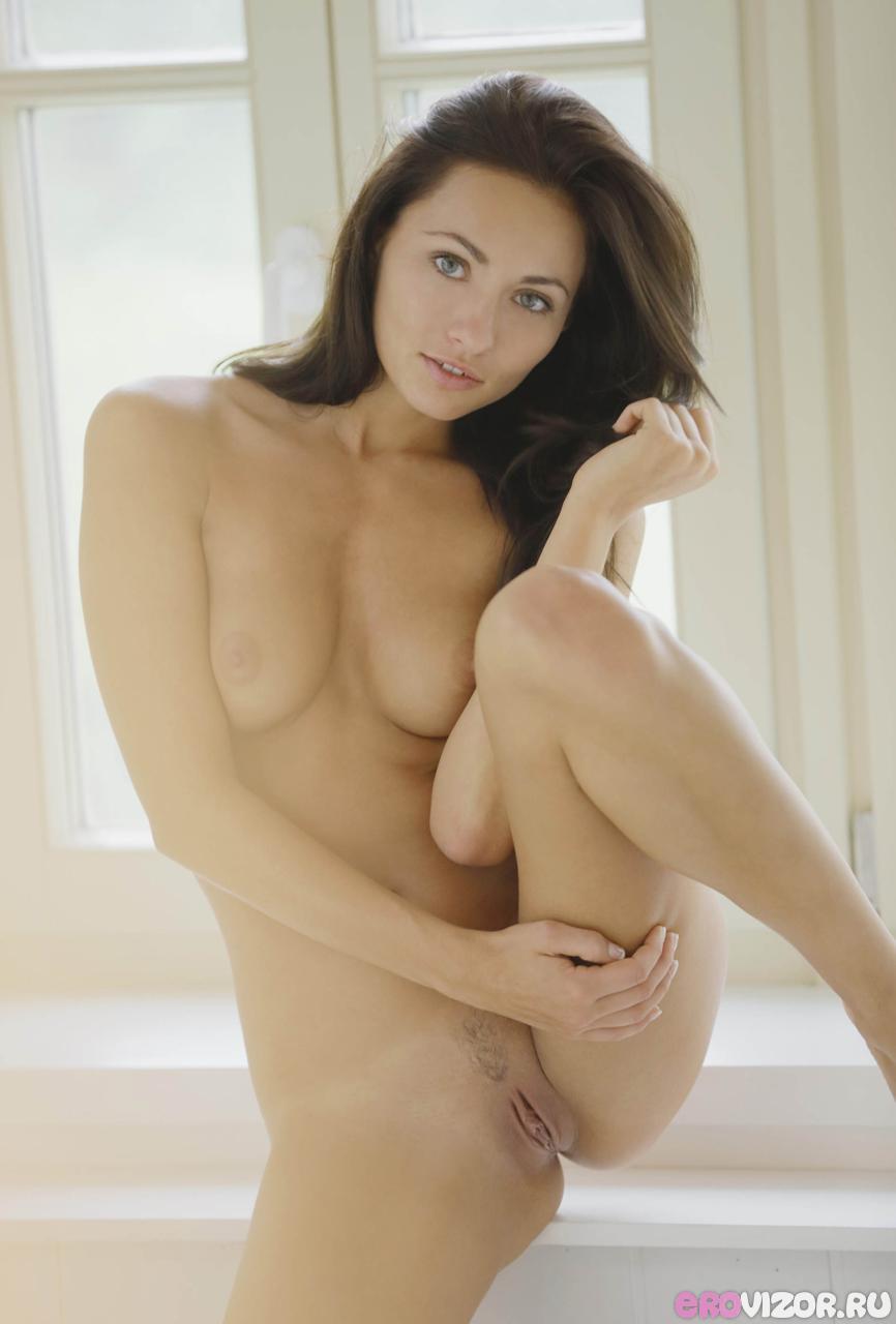 голая красавица