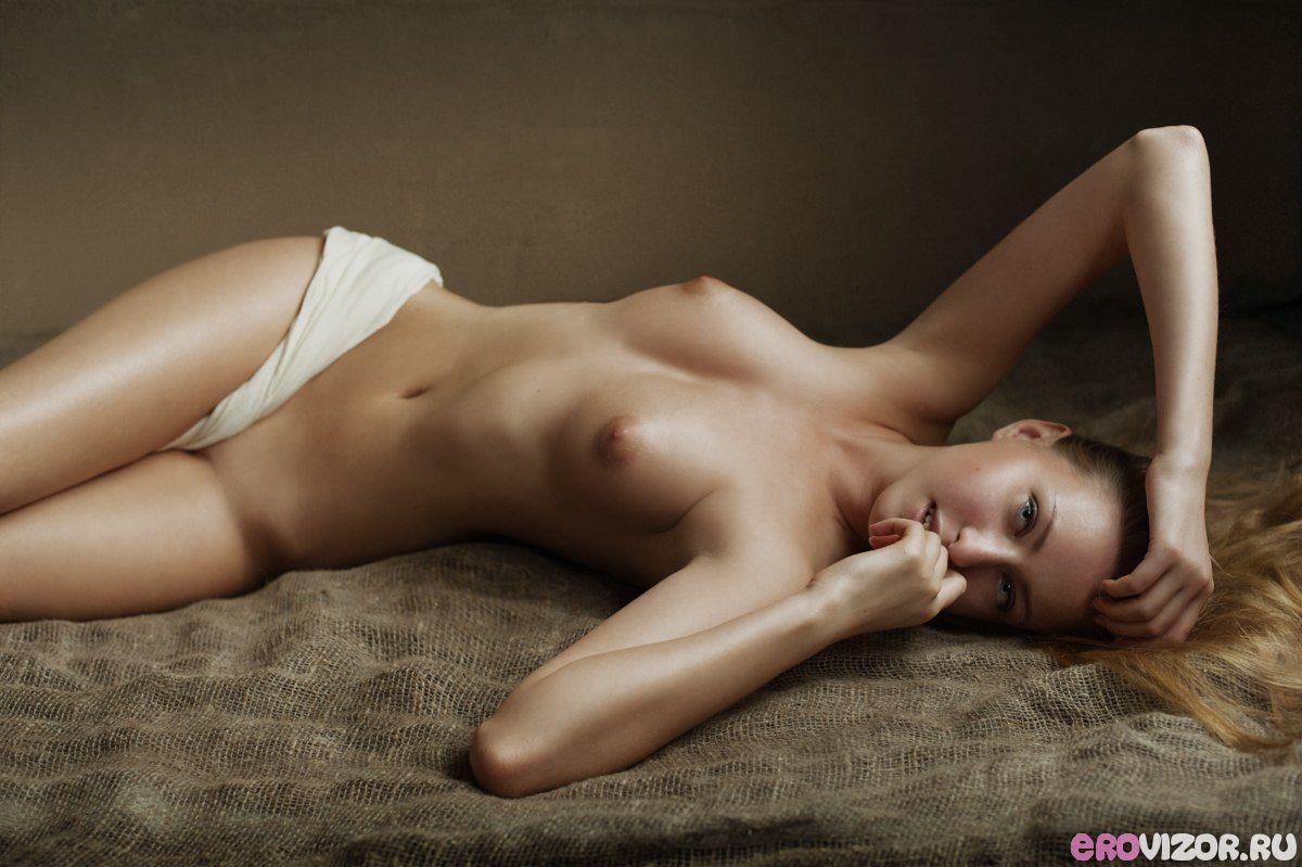 эротика на фото голых и красивых девушек