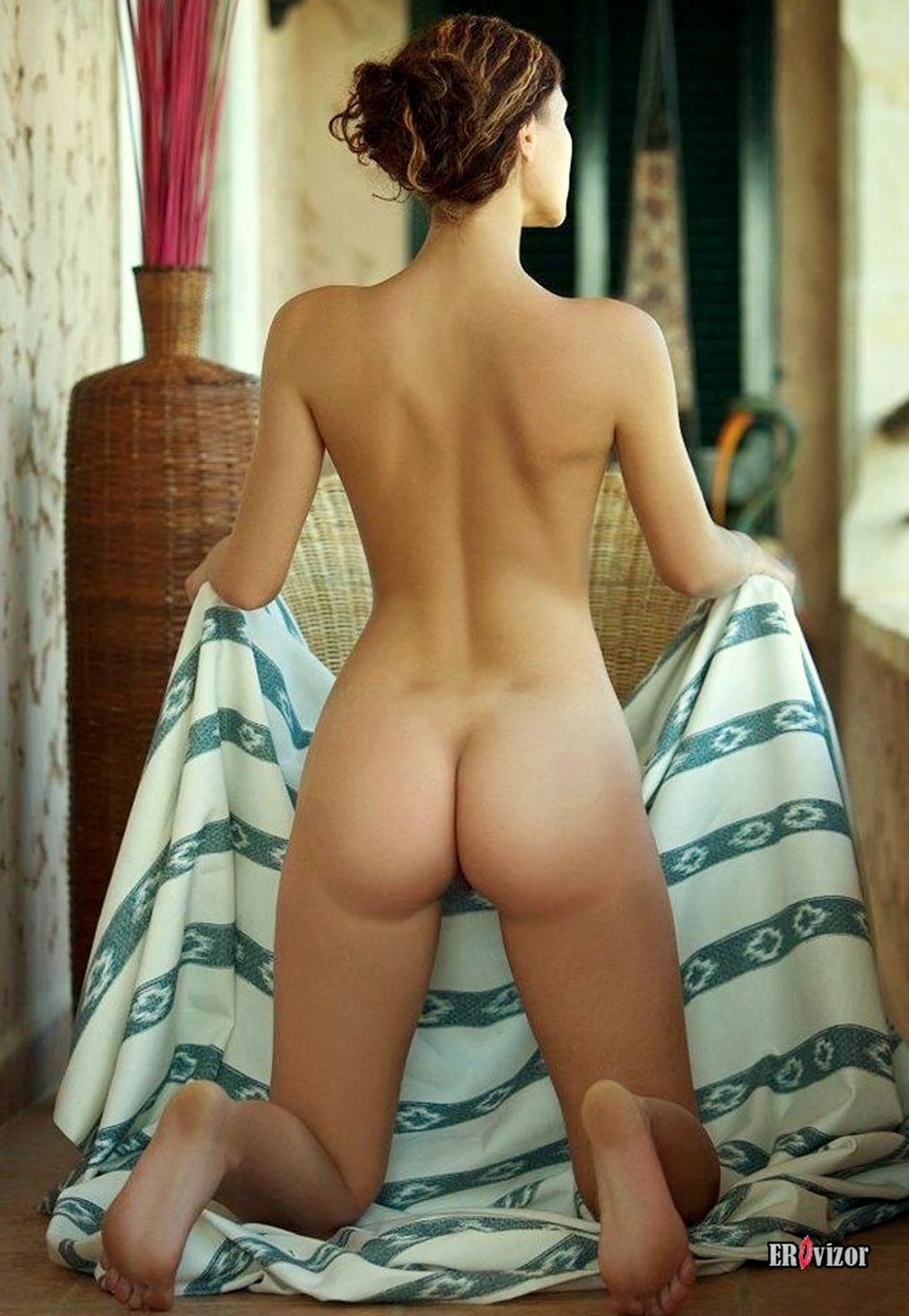 sexy_naked_girls_ass (1)