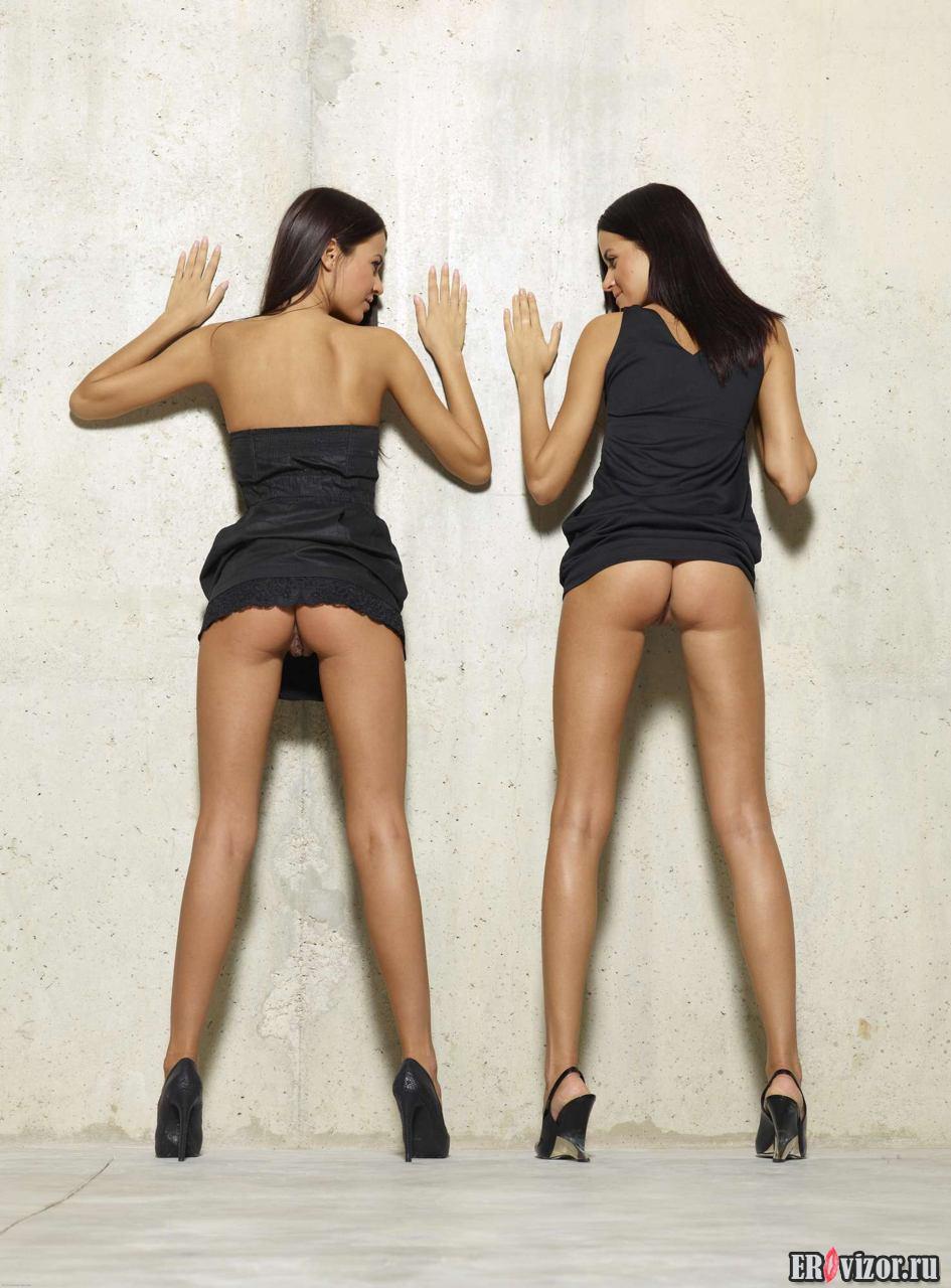 Фото Голенькие сестры-двойняшки 5. Молоденькие. Голые девушки на порно фото и видео