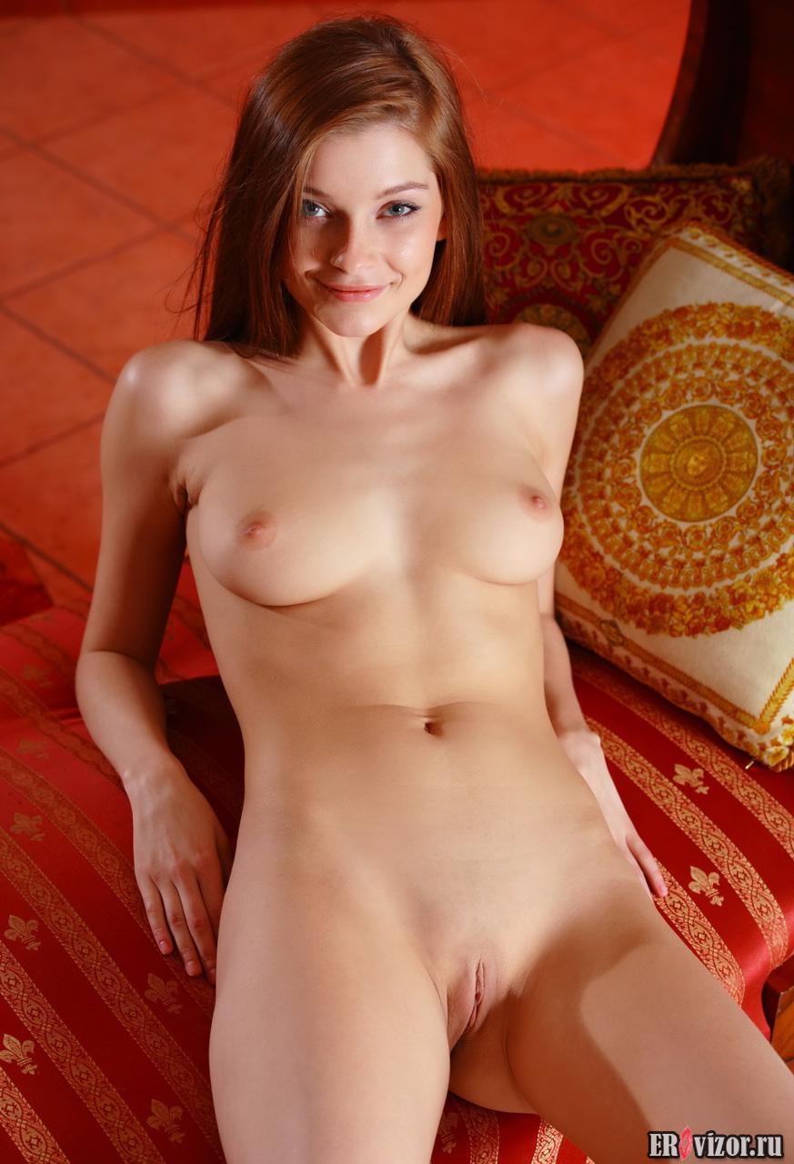 redhead naked girl (7)