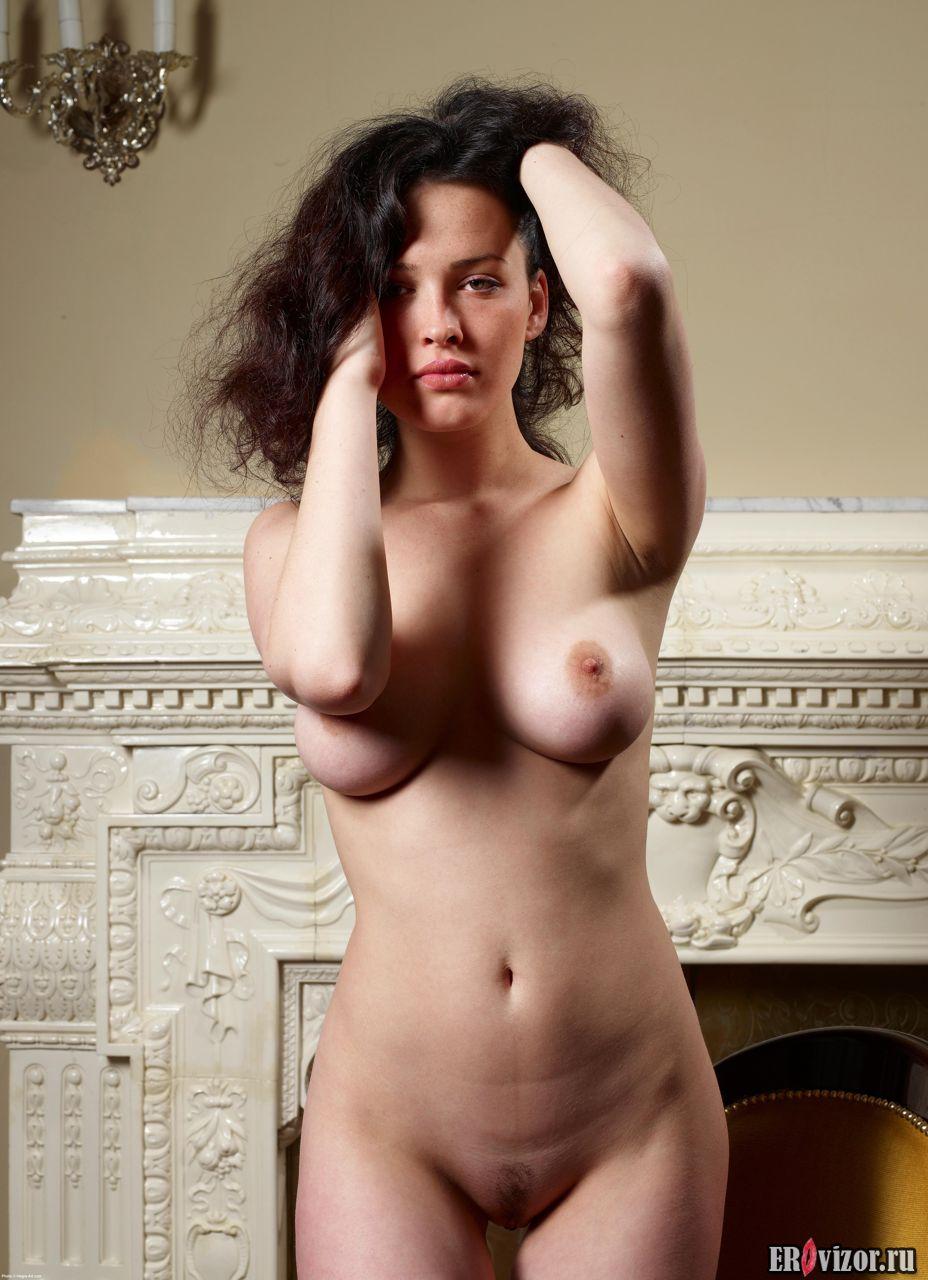 Фото Упругая попа красивой голой модели Playboy 2. Эротическое видео и фото. Голые девушки и эротика бесплатно