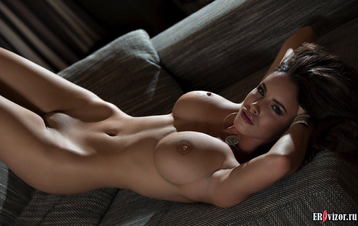 голая девушка фото