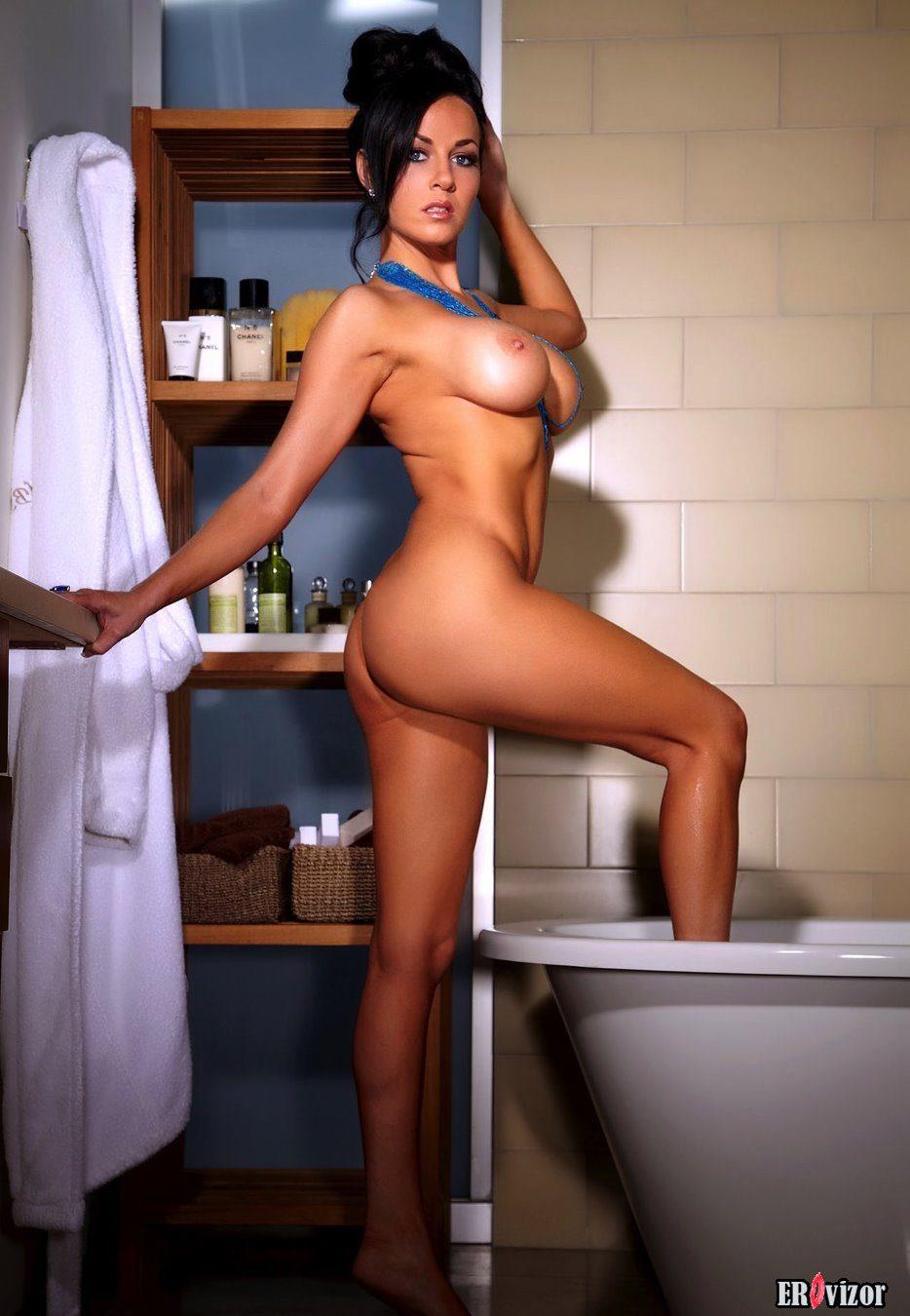 голые девушки в ванной 2
