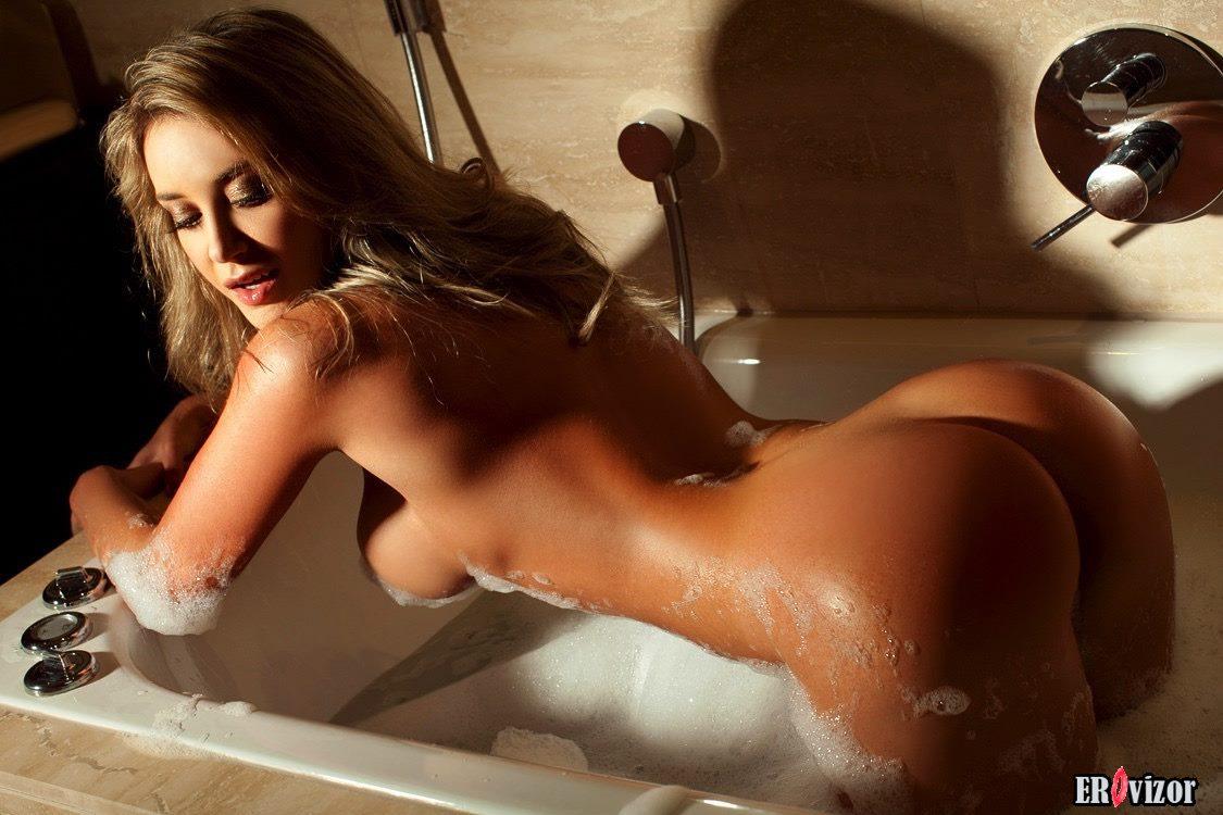 голая в ванной 7