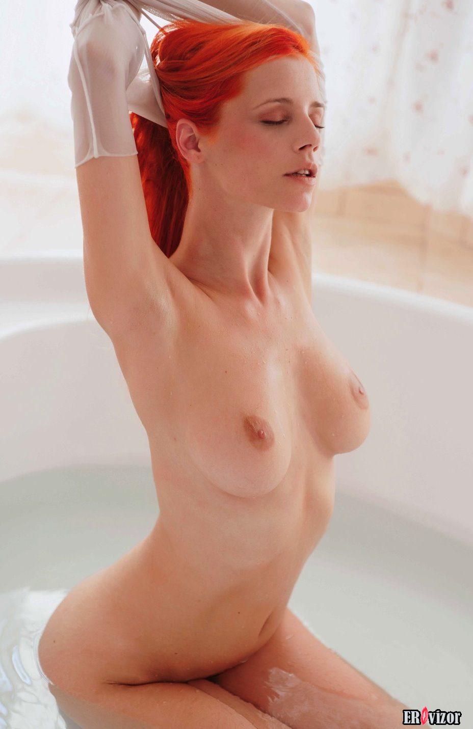 девушки в ванной 6