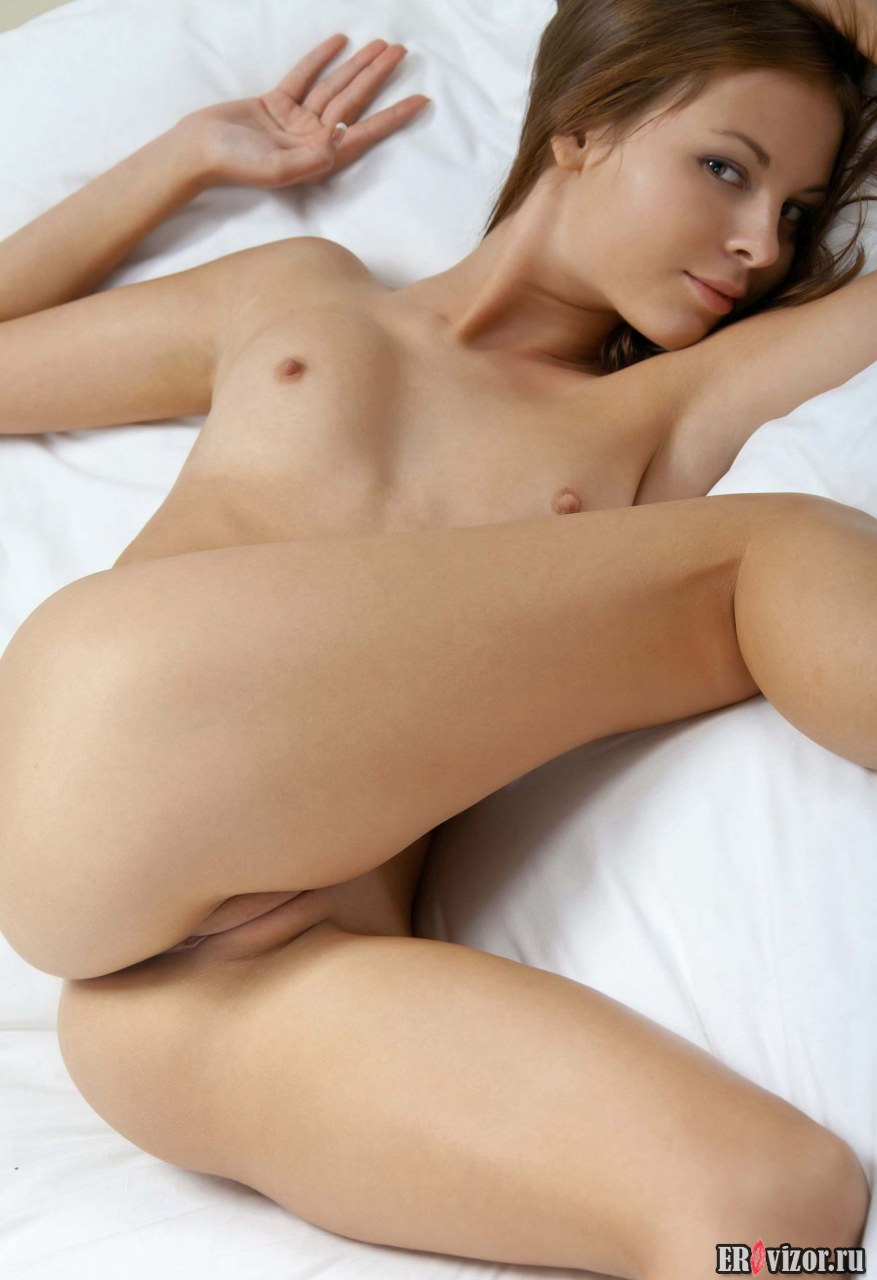 nice pusy naked beautiful girl (16)
