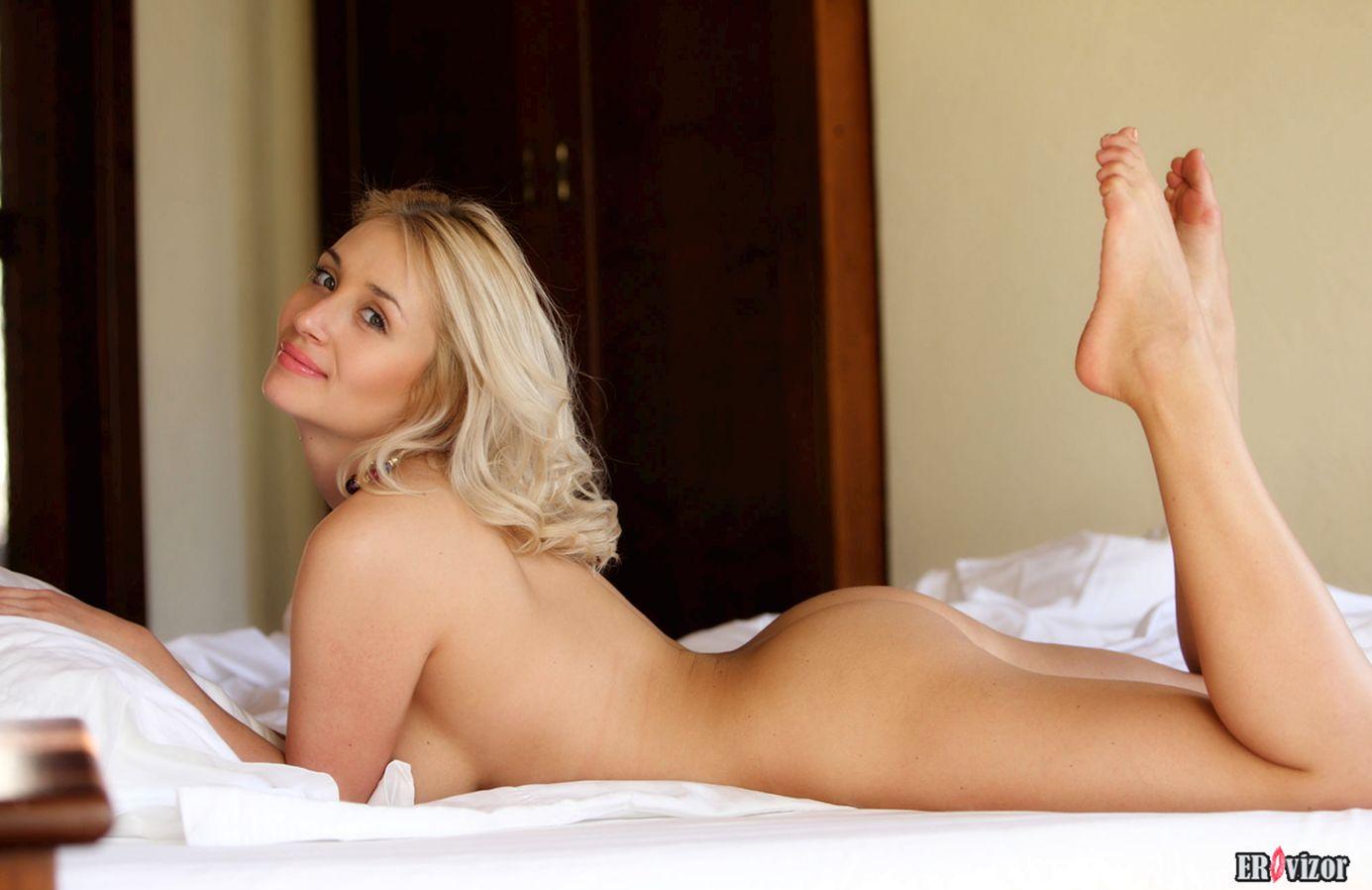 эротические фото красивой блондинки 7