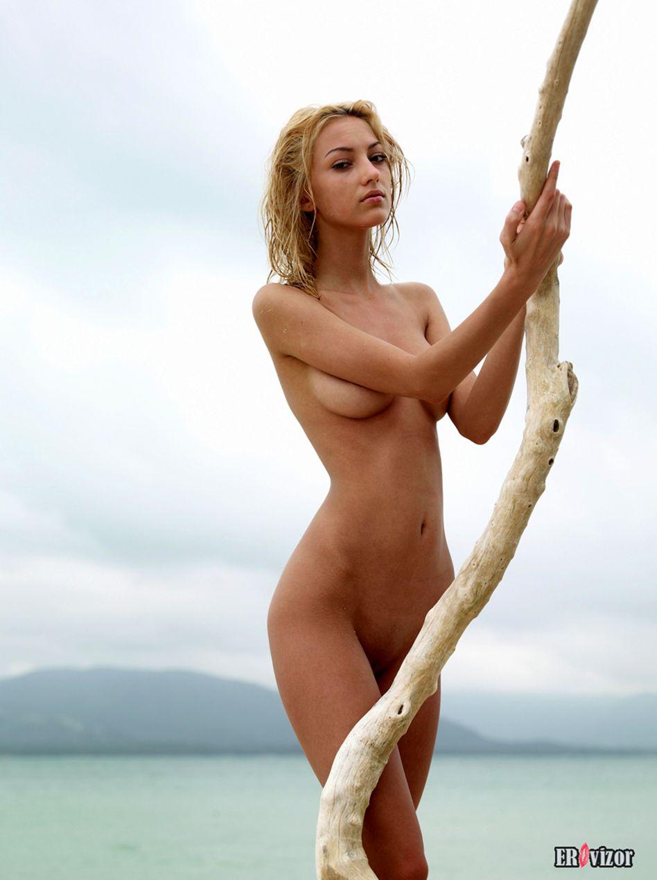 Angelina-nu foto (14)