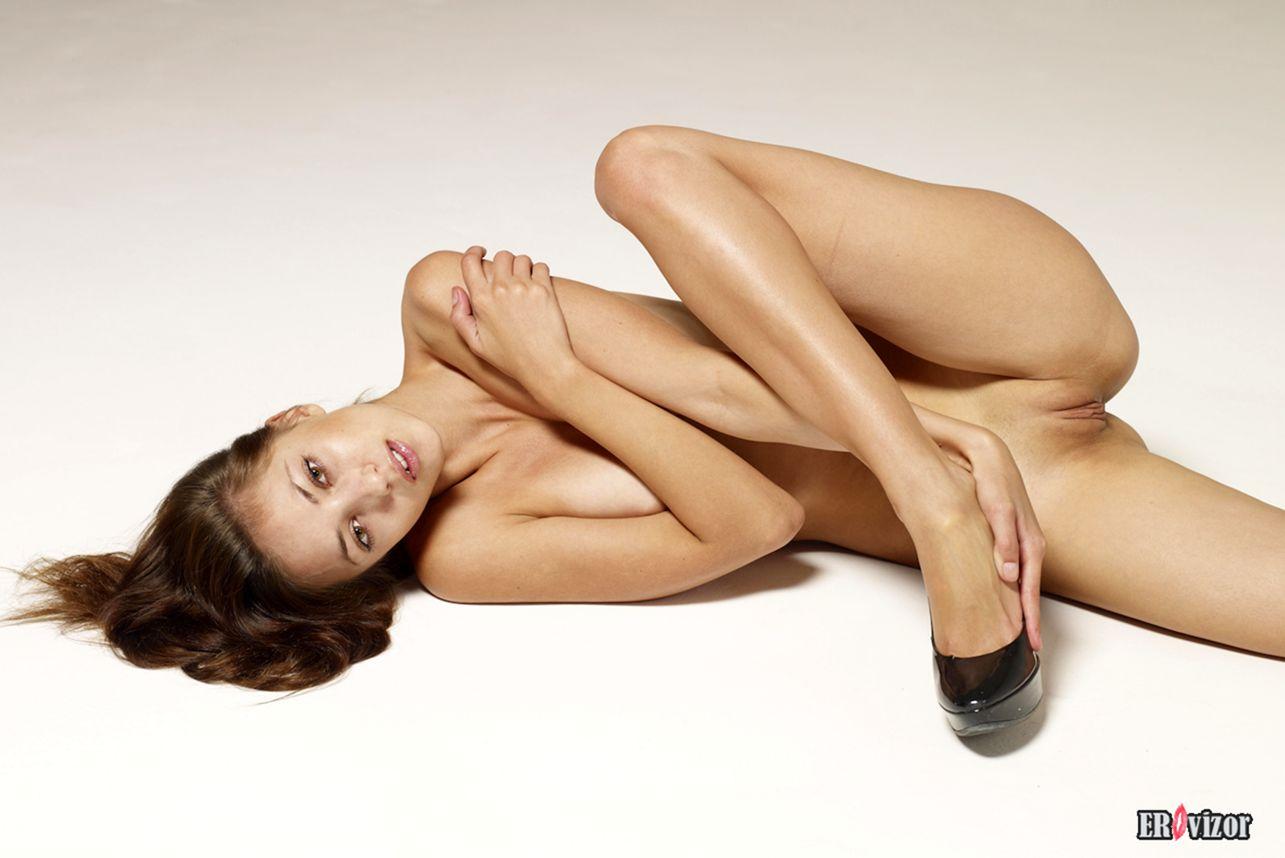 Angelina-nu foto (8)