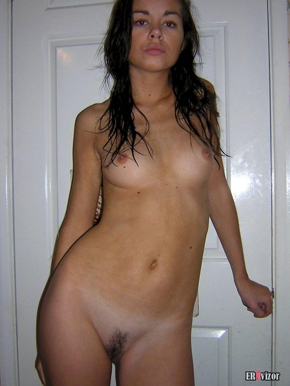 Домашние голые фото девушек (80 фото)