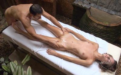 эротический массаж голой девушке