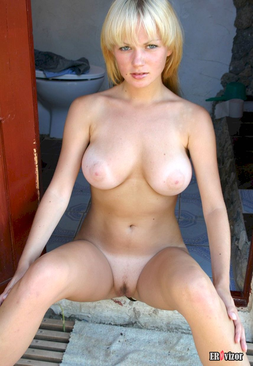 Busty-Teen-Blonde-Babe-Chantel-A-from (4)