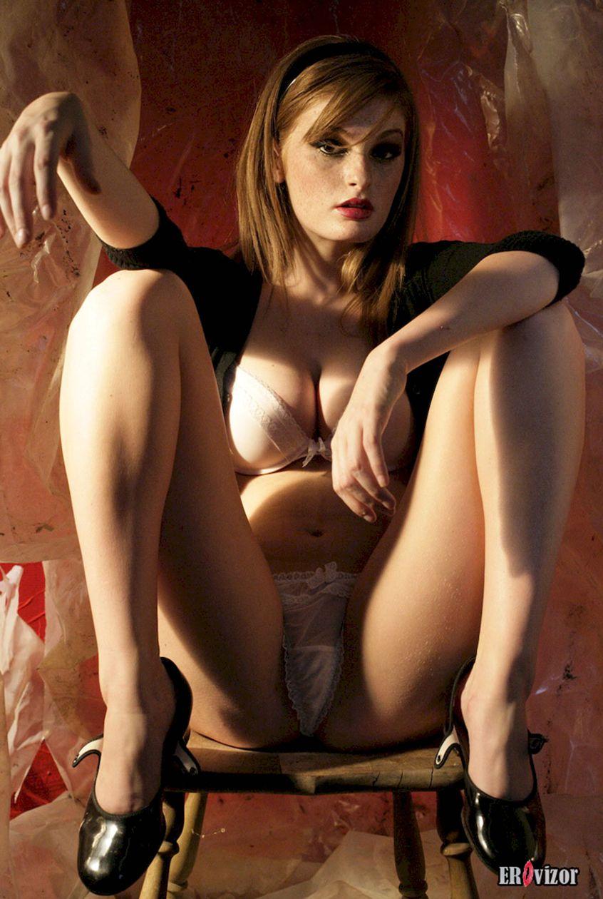 девушка с большими сосками. Фото 2