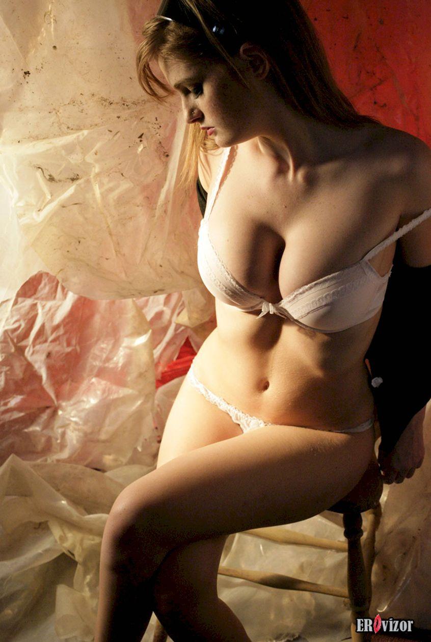 девушка с большими сосками. Фото 3