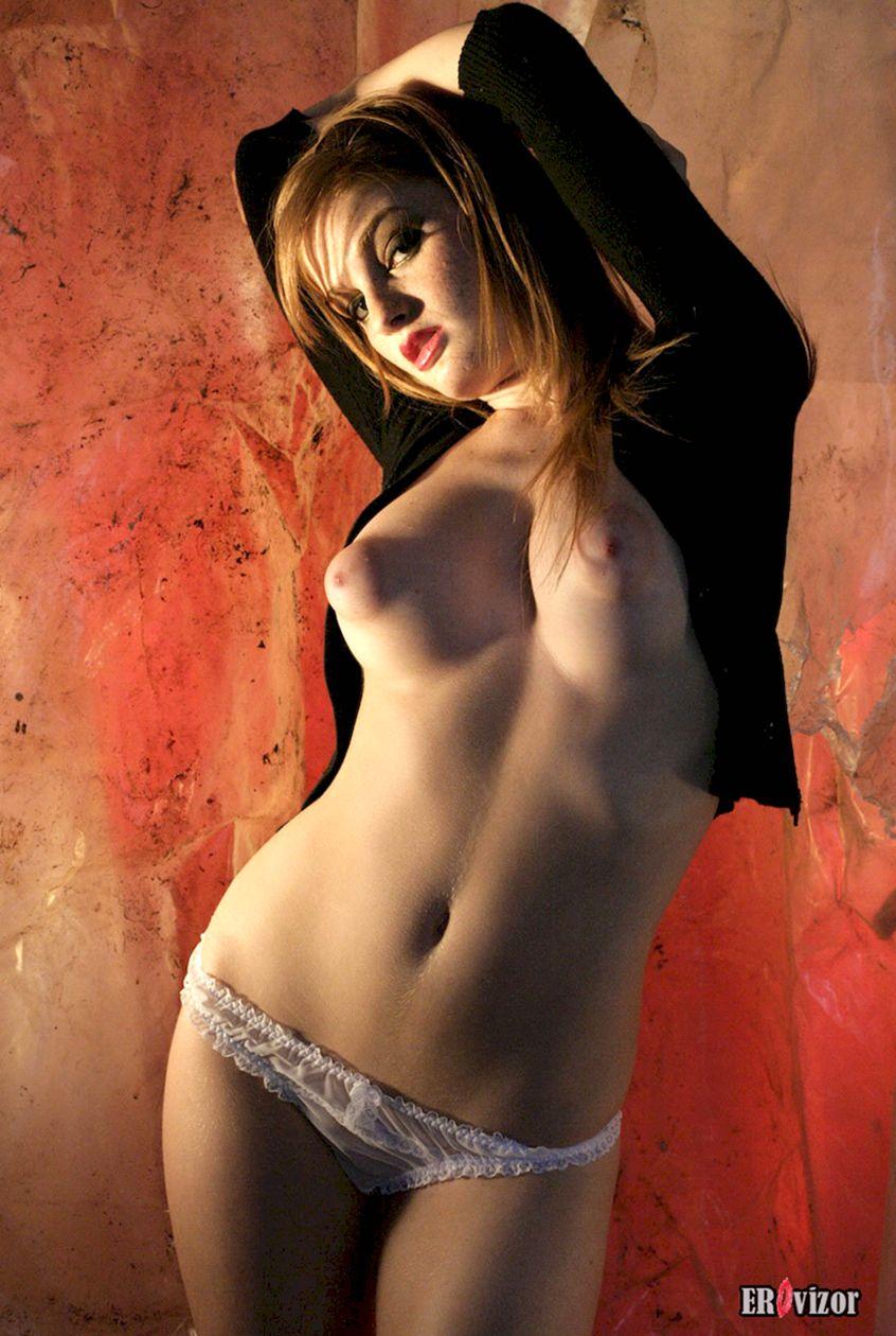 девушка с большими сосками. Фото 6