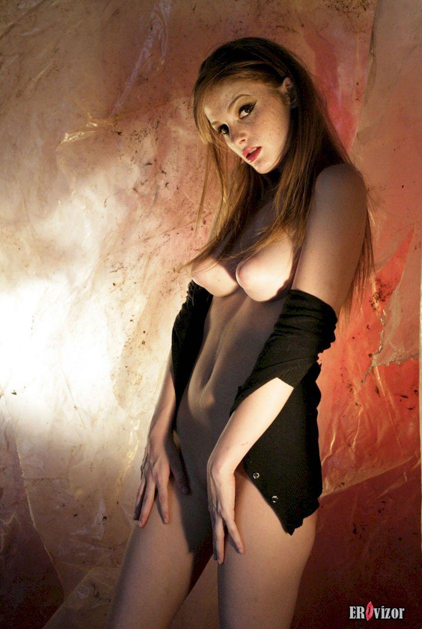 девушка с большими сосками. Фото 7