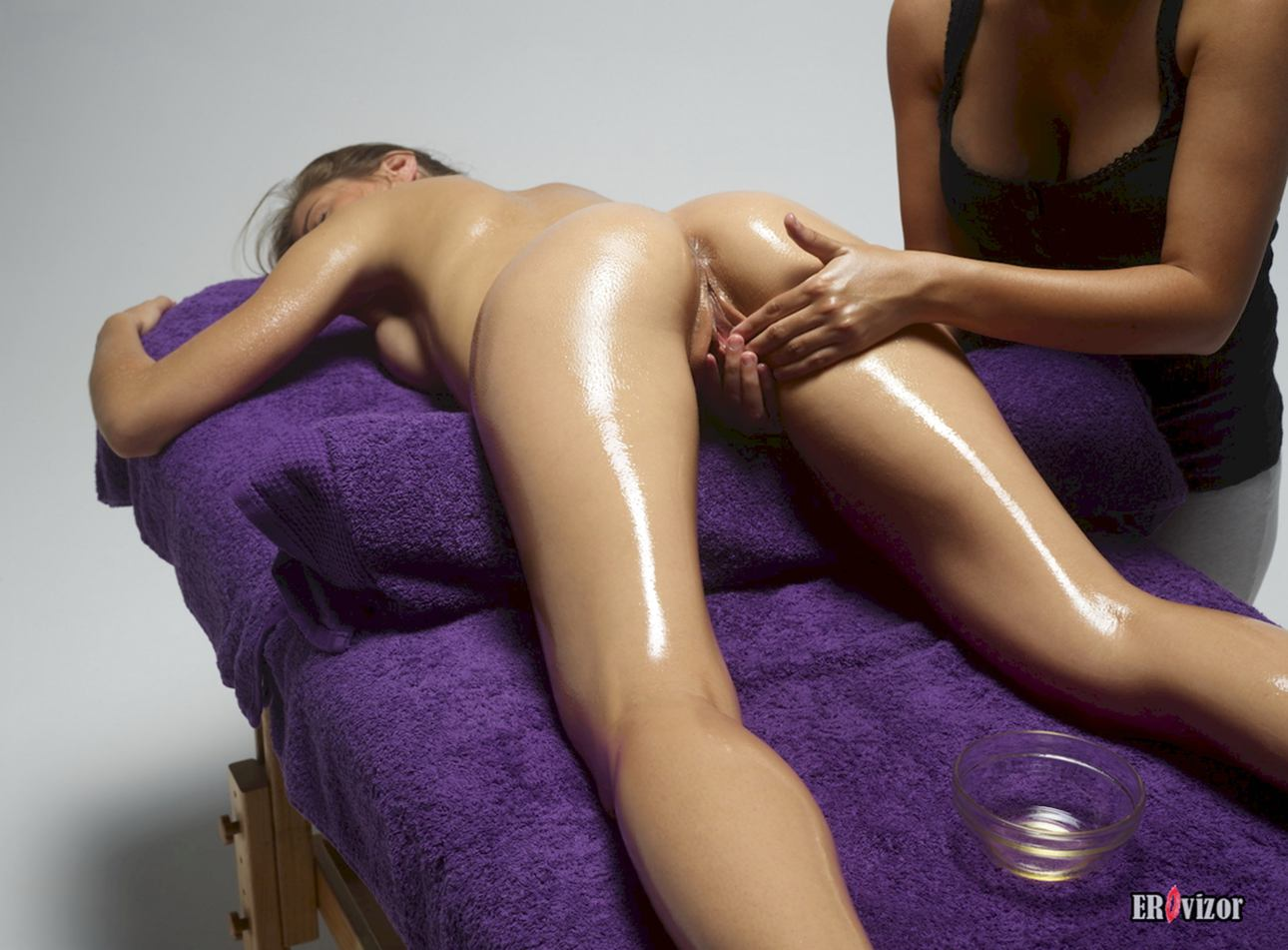 massage naked girl pussy (10)