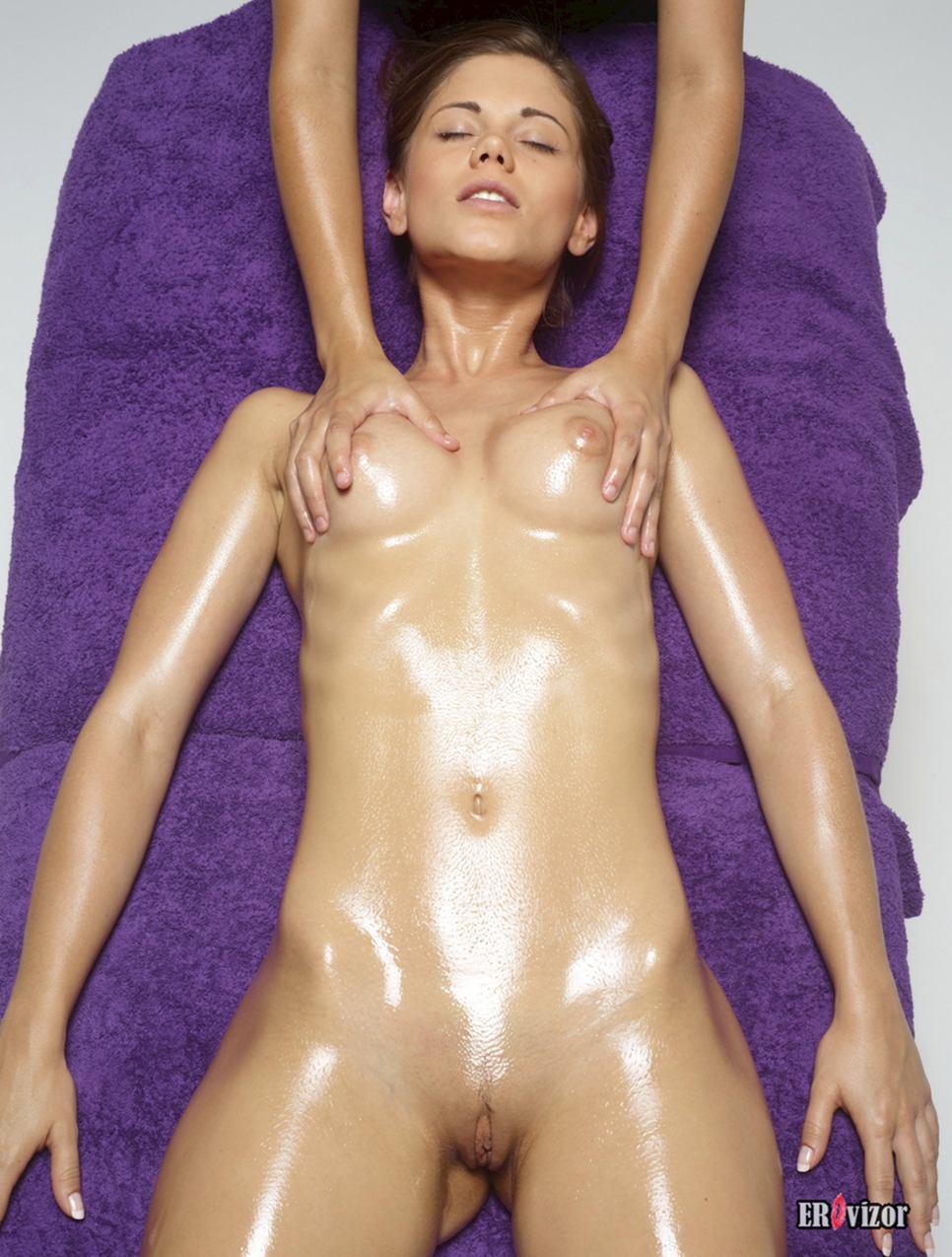 massage naked girl pussy (13)