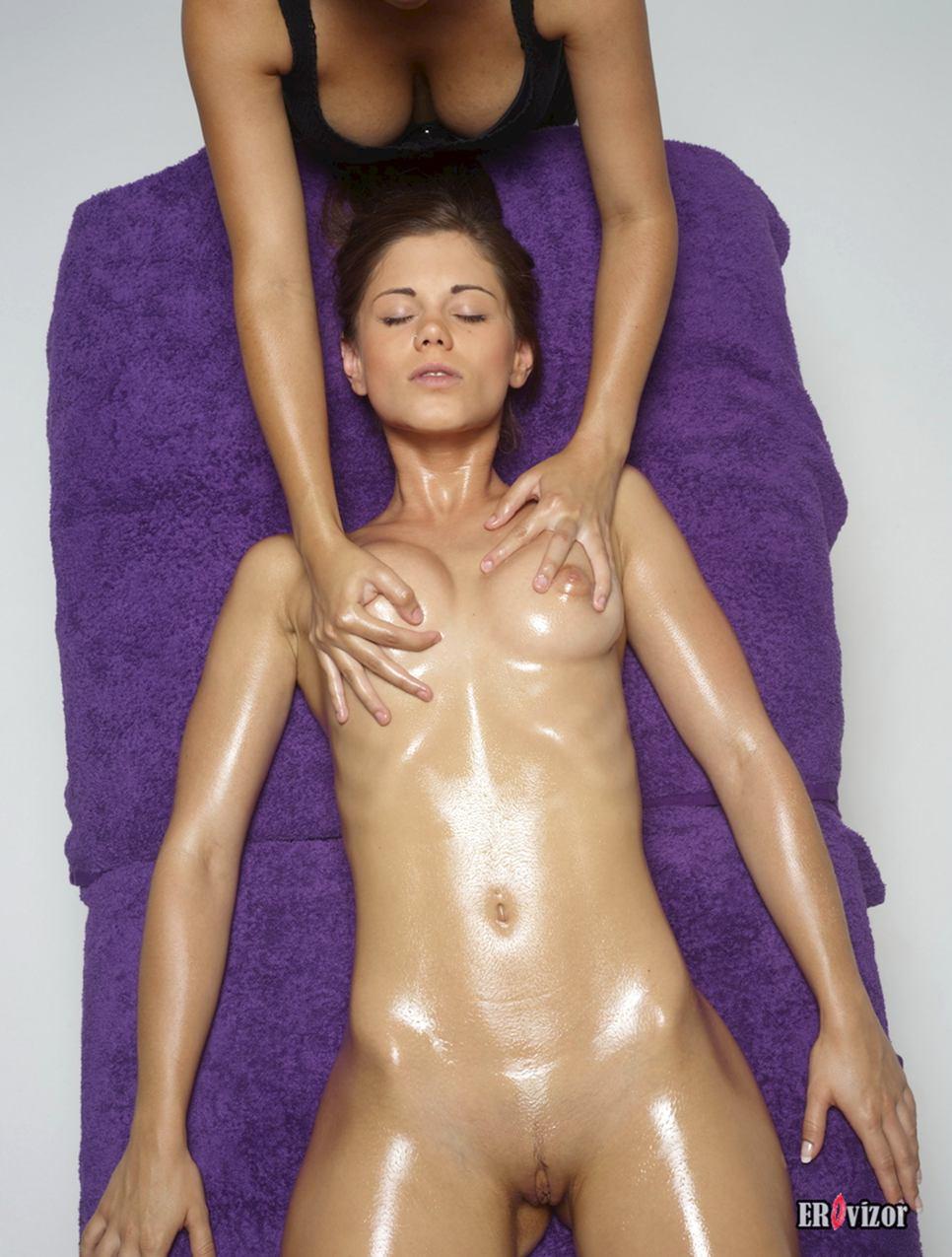 massage naked girl pussy (9)