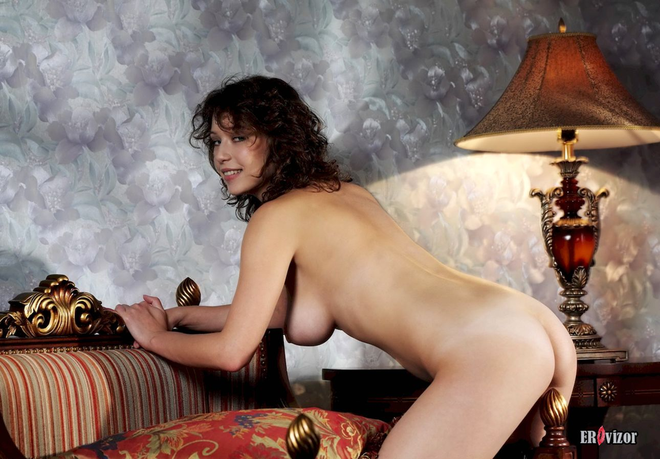 Busty-Veronika-with-Plump-Pussy (12)