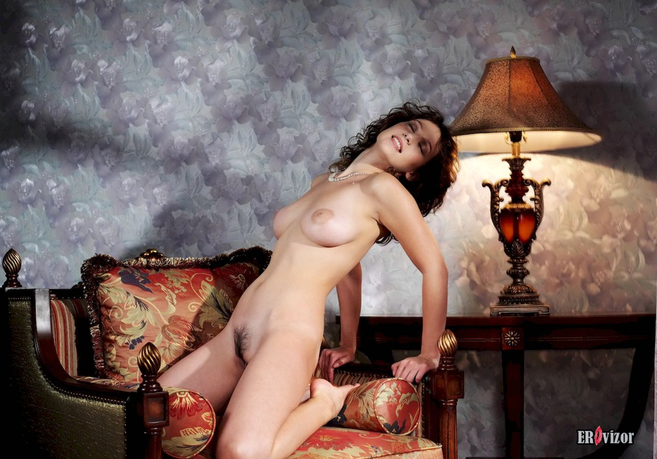 Busty-Veronika-with-Plump-Pussy (14)
