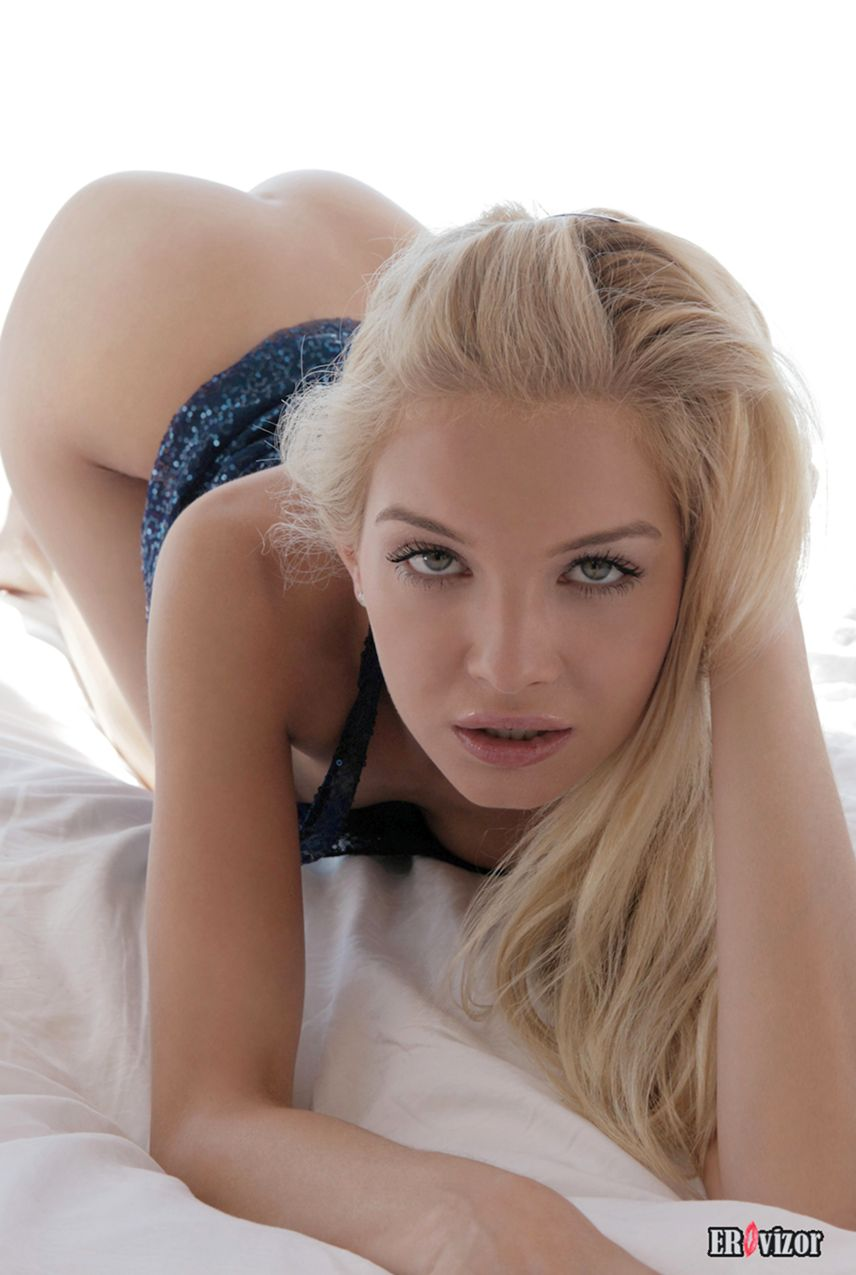 sexy blonde pussy (6)