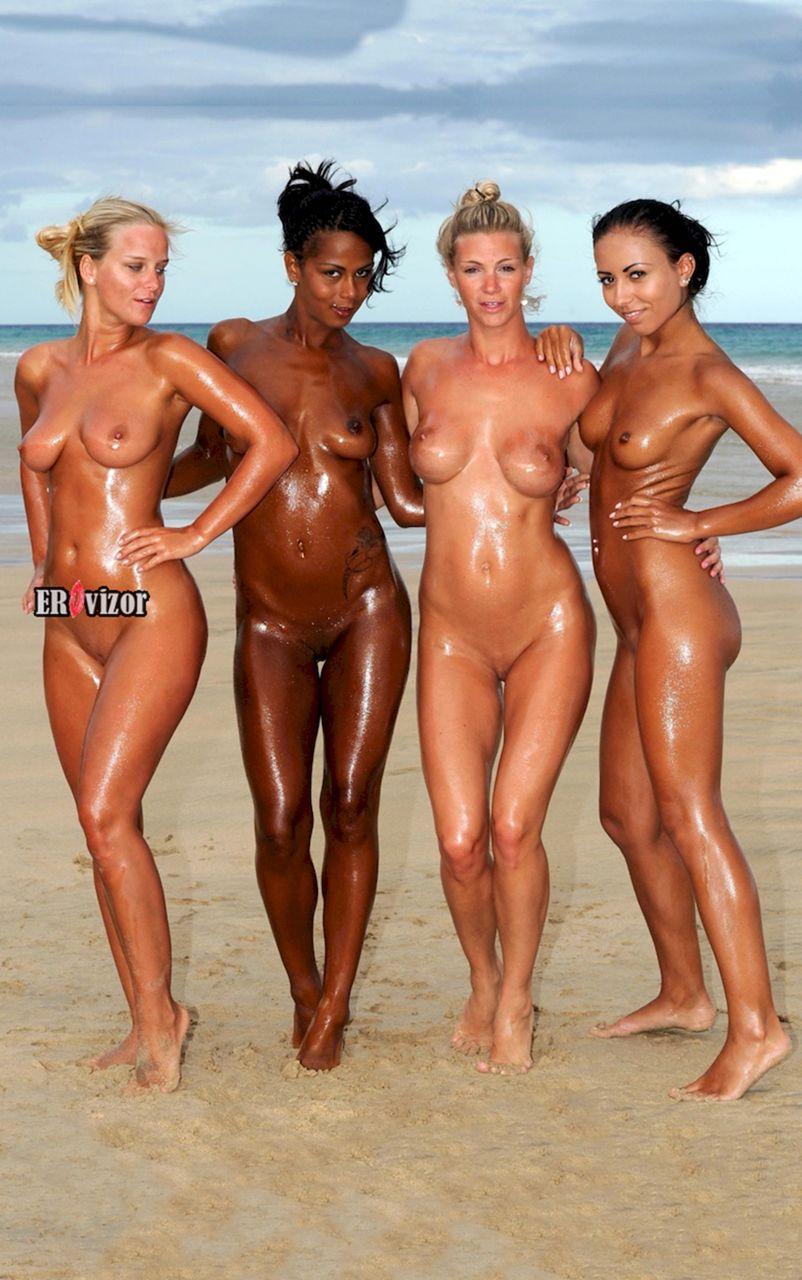 молодые голые девушки в полный рост