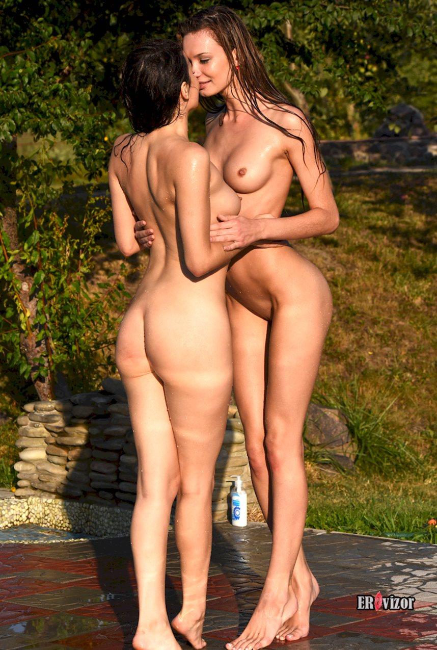 голые девушки с красивой фигурой рады встрече