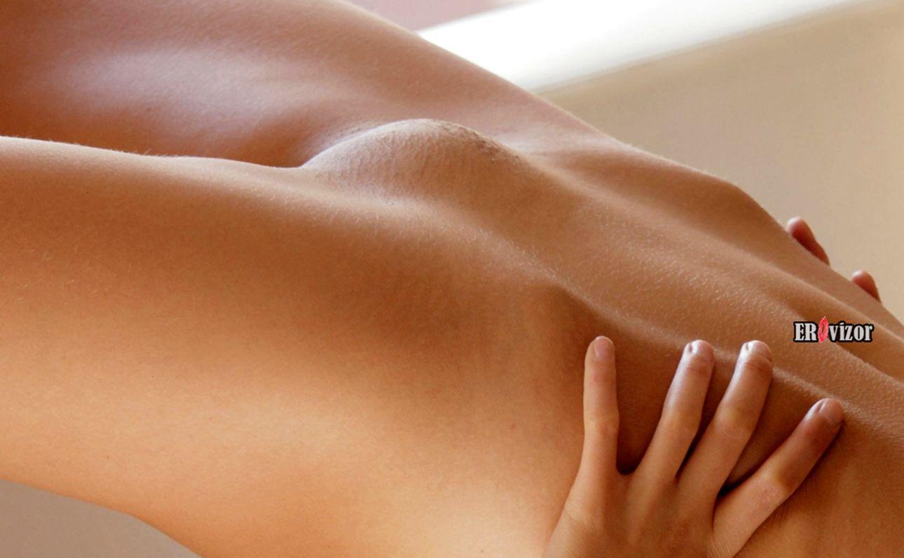 голые лобок голой девушки