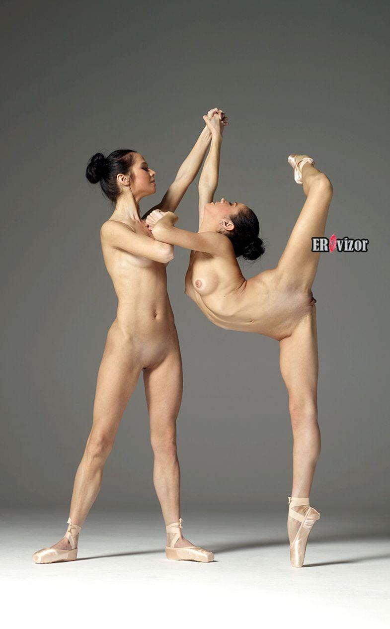 красивые голые девушки в полный рост