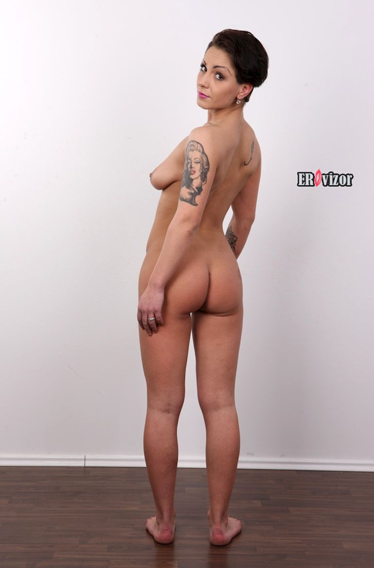 снимки голых девушек в полный рост