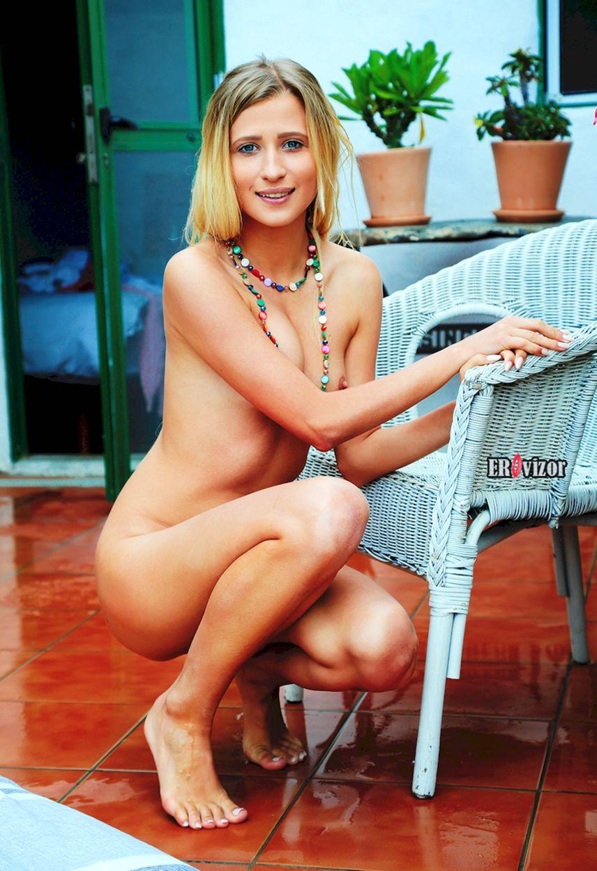 Blonde-Brittany-Shy_erovizor_foto (21)