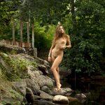 golie_devushki_v_lesu_(57)