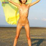 malenkaja_grud-golie_devushki_(36)