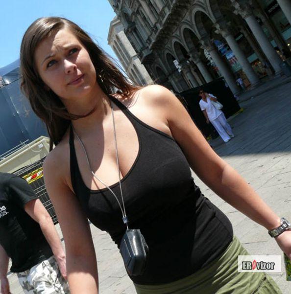 naturalnyye_siski_devushek-124