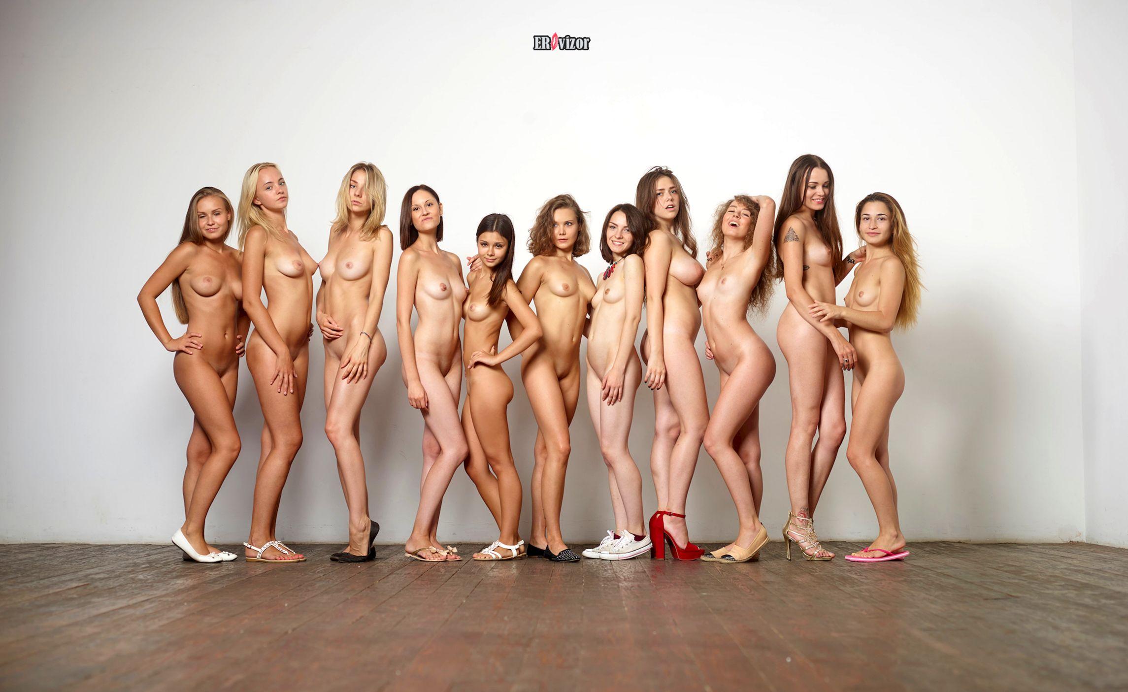 голенькие красотки в группе