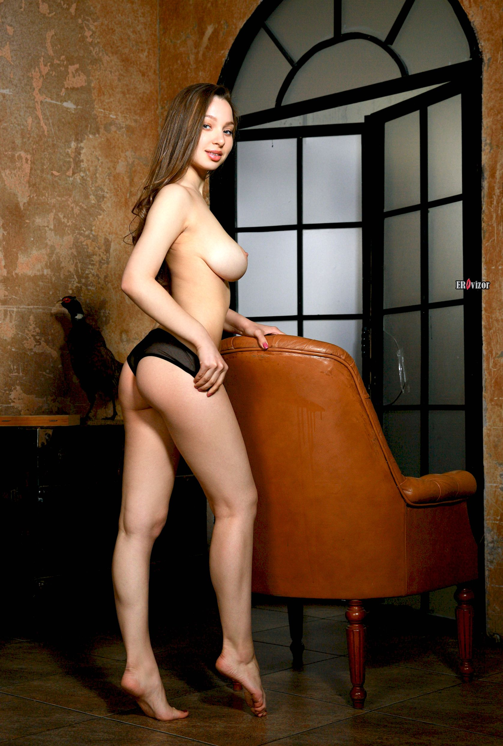 erovizor-busty-babe-charlize-with-big-naturals-wearing-black-lingerie-10