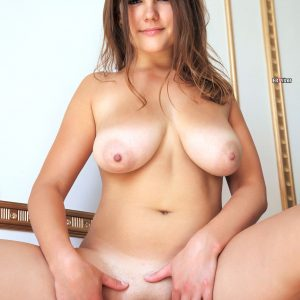 Brunette-Mandy-A-with-Big-Naturals-from erovizor (11)