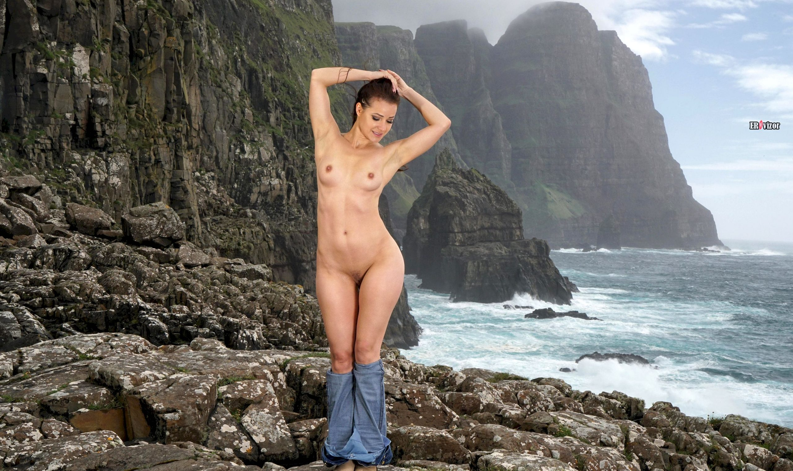 Melisa-Mendiny-with-Open-Pussy-17