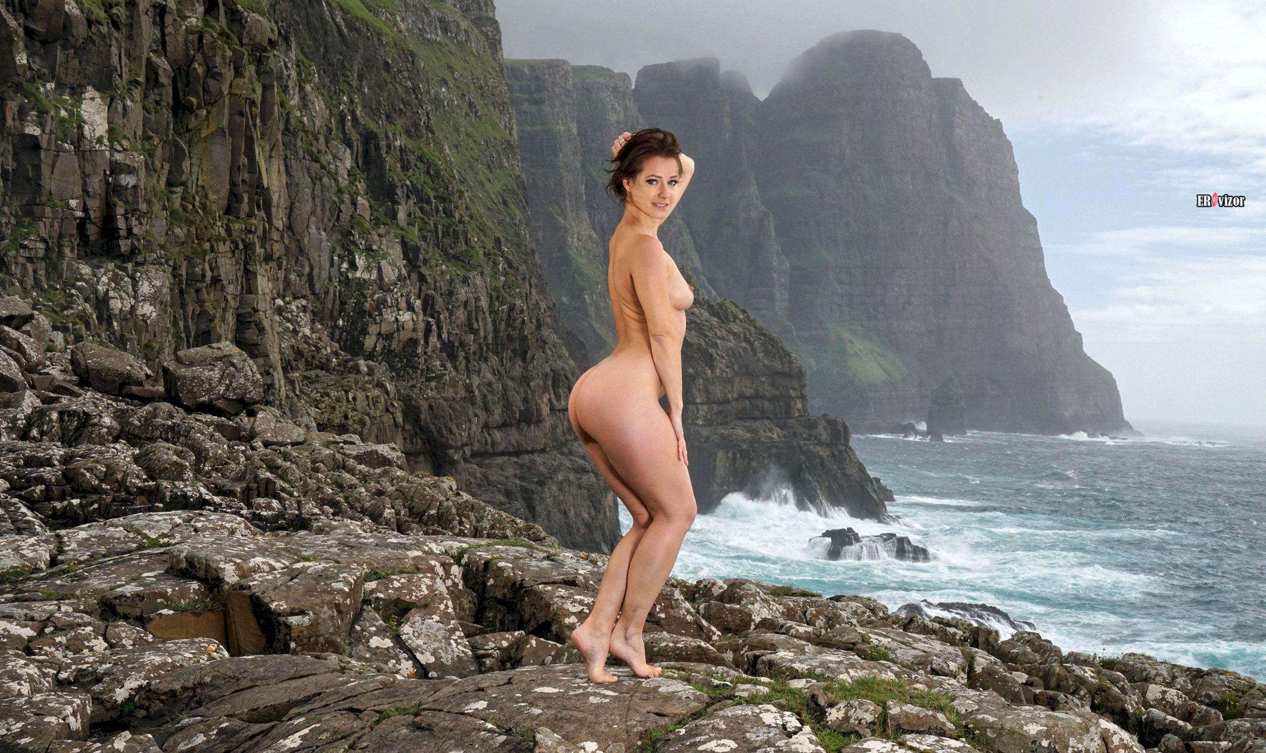 Melisa-Mendiny-with-Open-Pussy-22