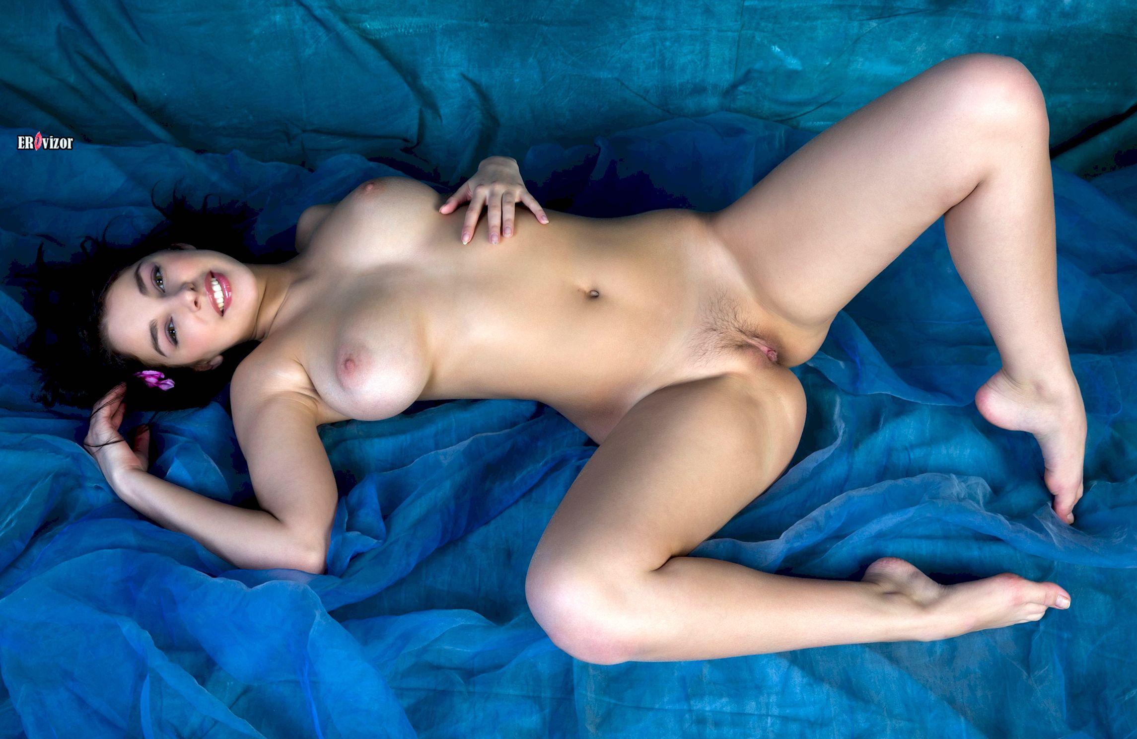 Сексуальное фото обнаженной девушки