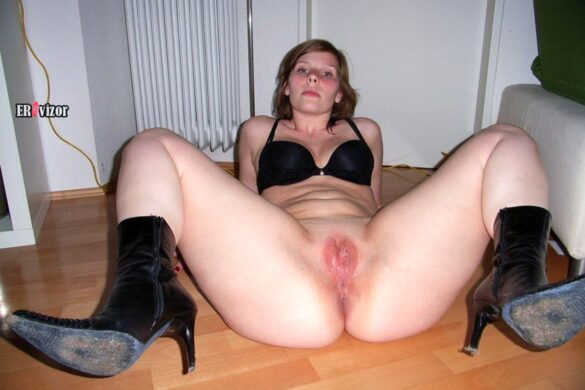 Эротические частные фото жены с большой попой