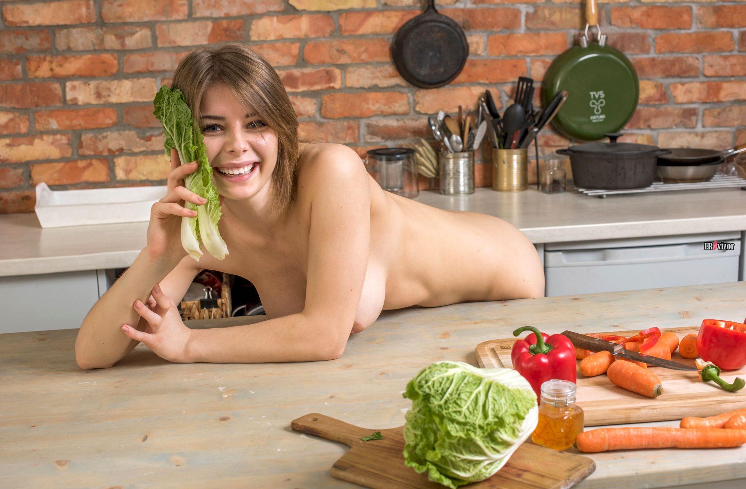 sexy Yelena erovizor (1)