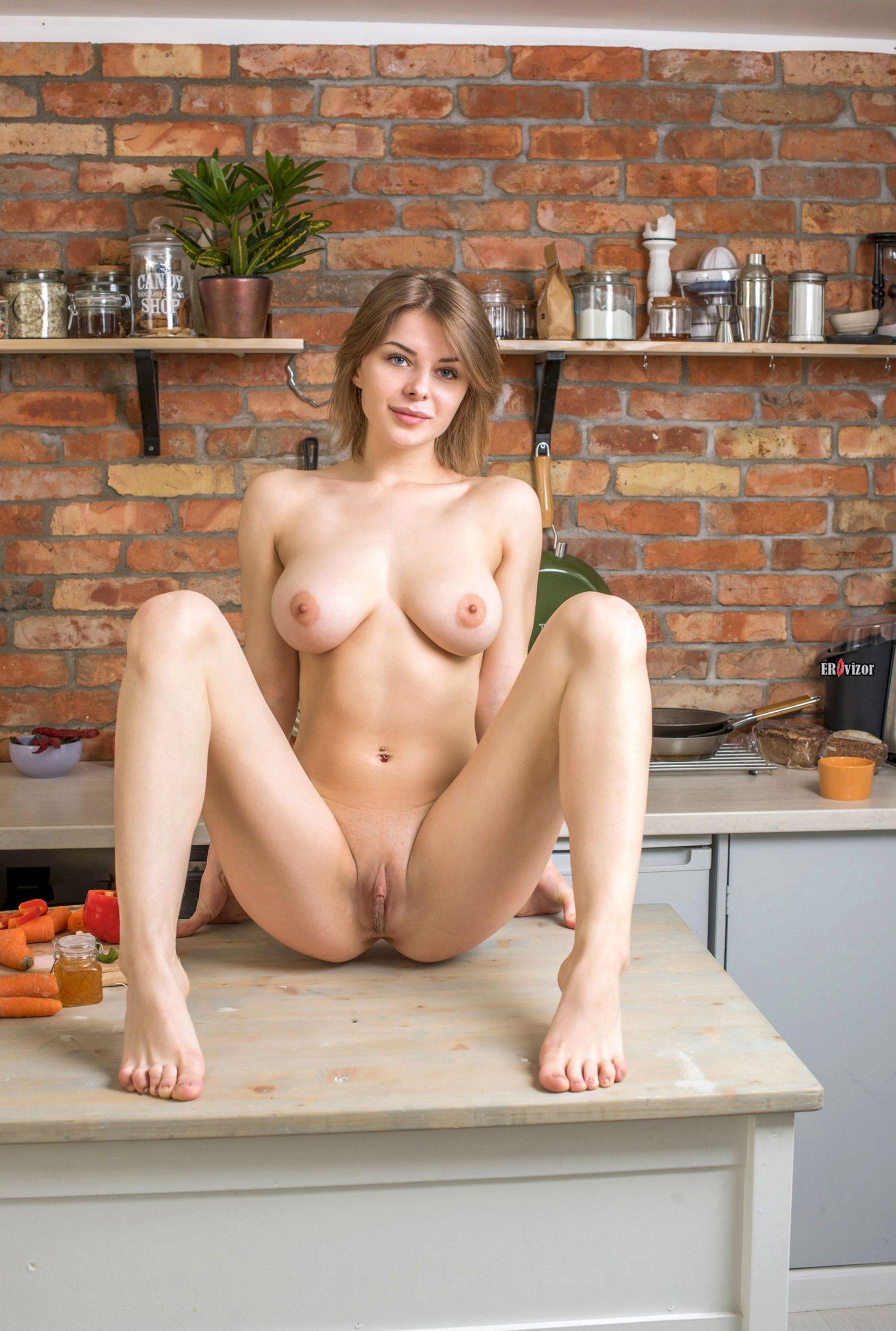 sexy Yelena erovizor (10)