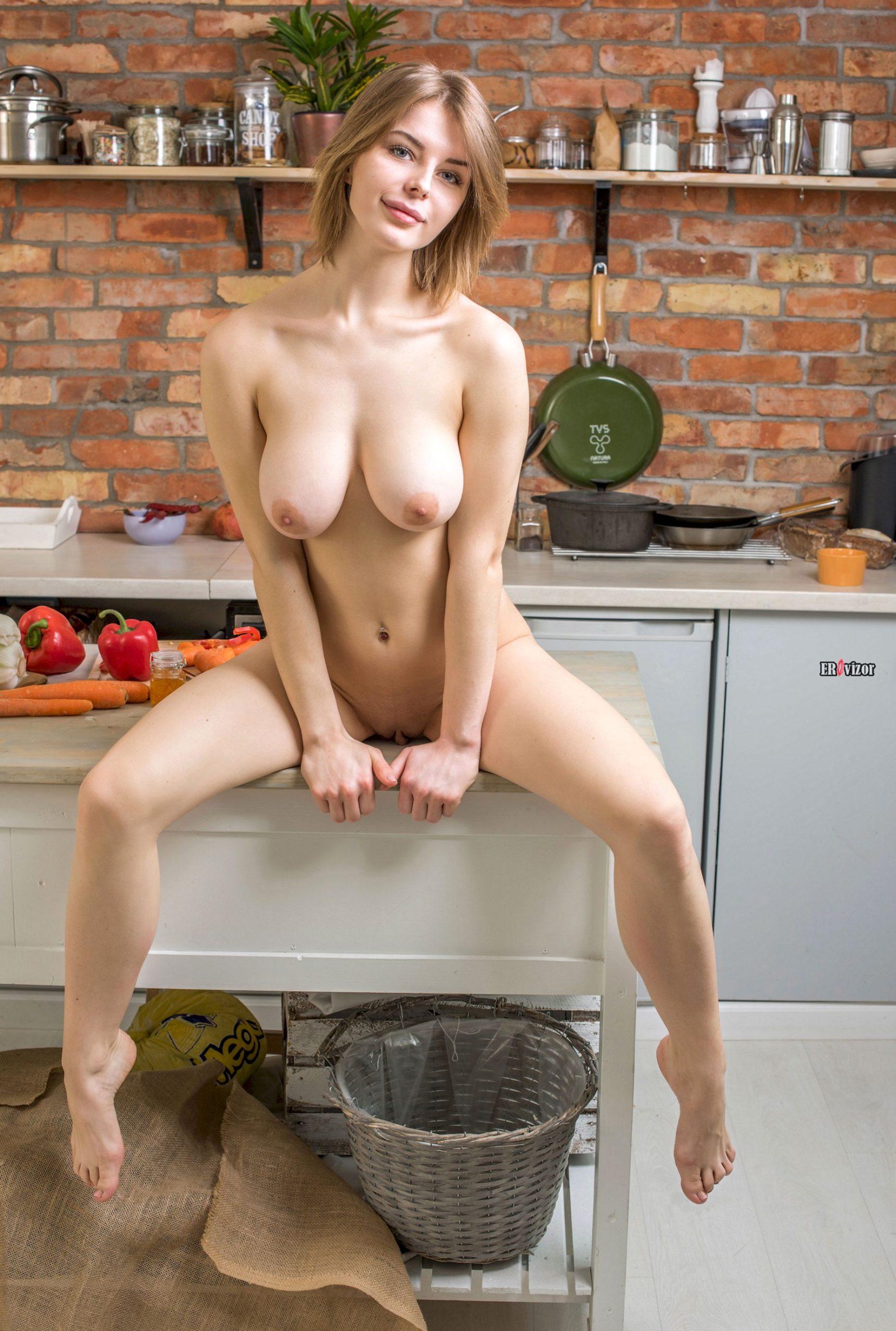 sexy Yelena erovizor (17)