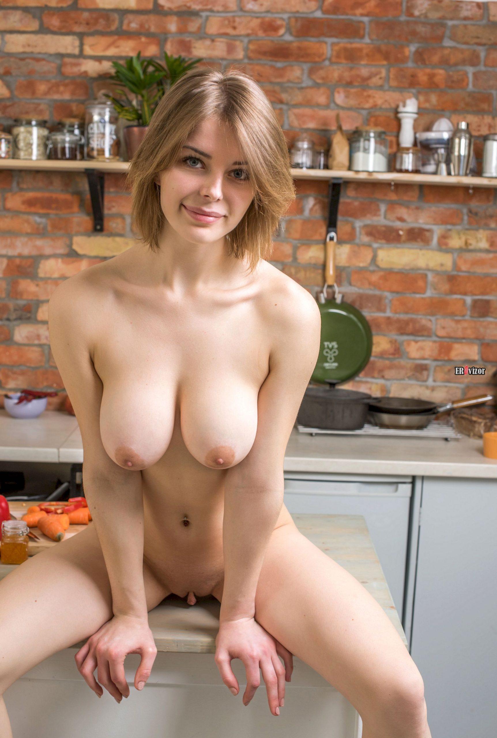 sexy Yelena erovizor (18)